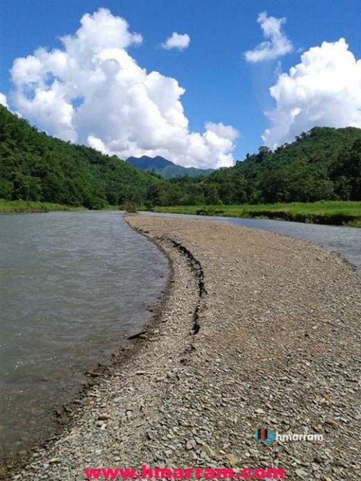 Tuibum river is one of the numerous rivers in Hmar Hills. This beautiful section is sitam / parvachawm kai